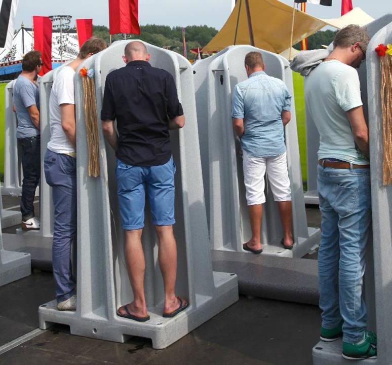4 Stall Urinals